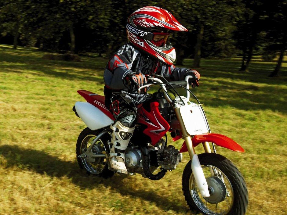 Honda CRF50F 2020 action