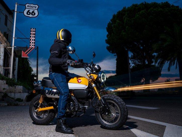 Honda Monkey 125 2020 action 1