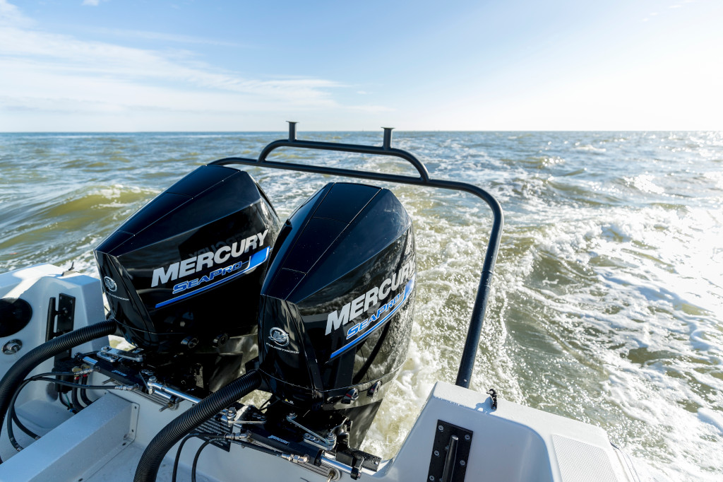 300hp_SeaPro_850Impact_Saltwater_2017_Lifestyle_11