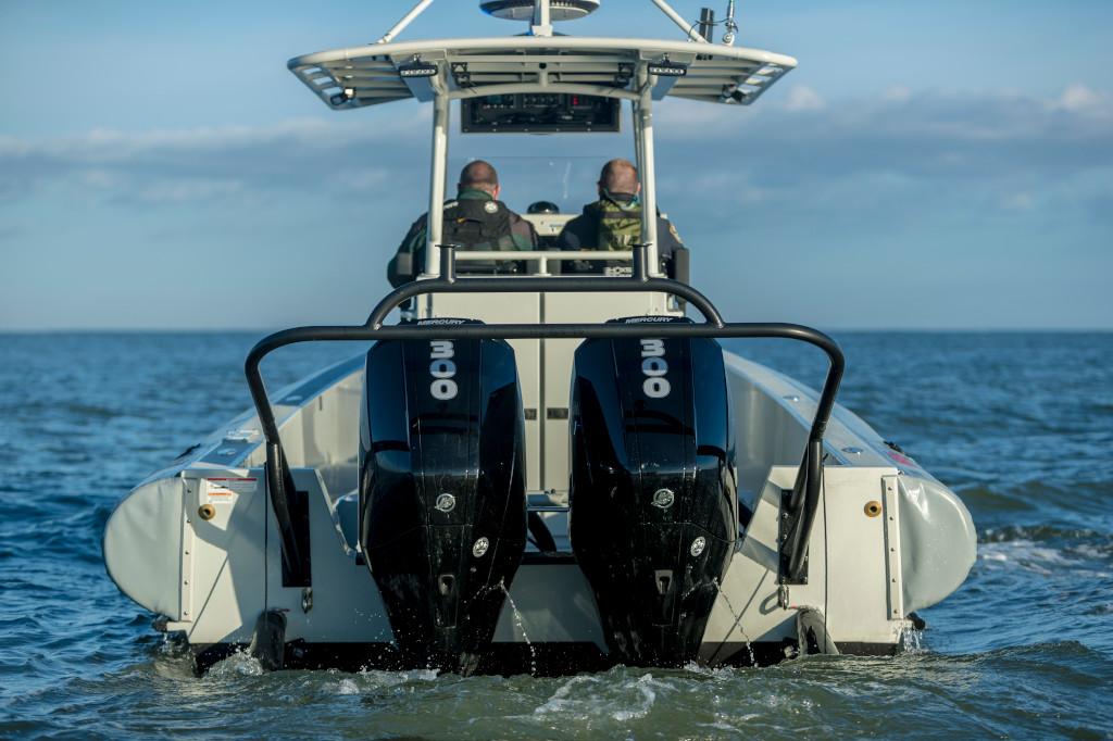 300hp SeaPro 850Impact Saltwater 2017 Running 16