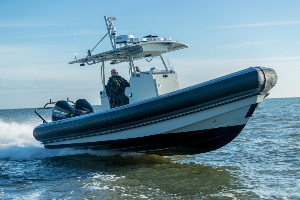 300hp SeaPro 850Impact Saltwater 2017 Running 23